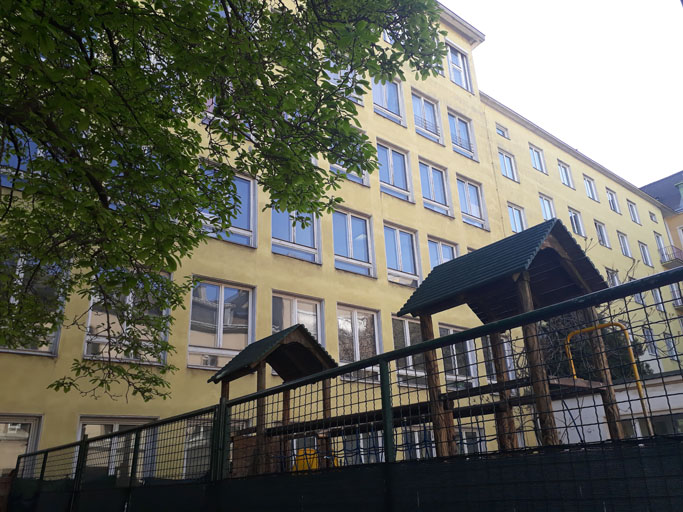 Waldkloster | Frontansicht total quer | Kreative Räume Wien